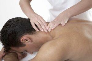 Aplicarea masajului in caz de torticolis
